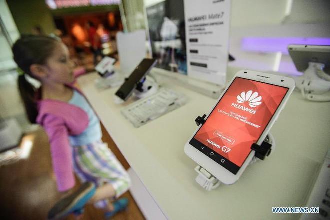 Mẹo làm giàu mới ở Trung Quốc: Nếu muốn kiếm tiền, hãy tích trữ điện thoại Huawei - Ảnh 3.