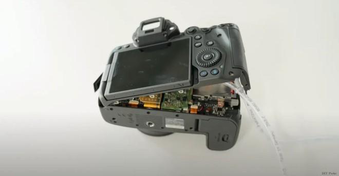 Nhiếp ảnh gia này chế cả tản nhiệt nước để giải quyết hiện tượng quá nhiệt của Canon R5 - Ảnh 1.