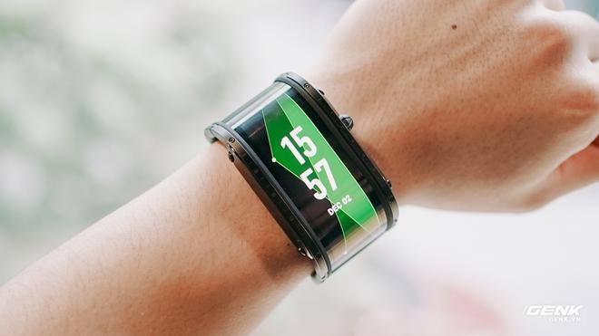 Trên tay Nubia Watch: Smartwatch màn hình uốn dẻo siêu dị không dành cho người bình thường - Ảnh 6.