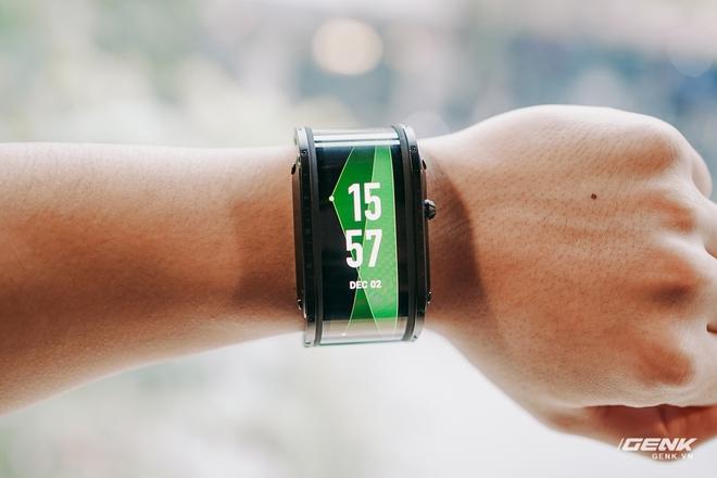 Trên tay Nubia Watch: Smartwatch màn hình uốn dẻo siêu dị không dành cho người bình thường - Ảnh 13.
