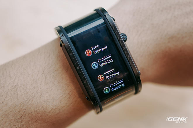 Trên tay Nubia Watch: Smartwatch màn hình uốn dẻo siêu dị không dành cho người bình thường - Ảnh 11.
