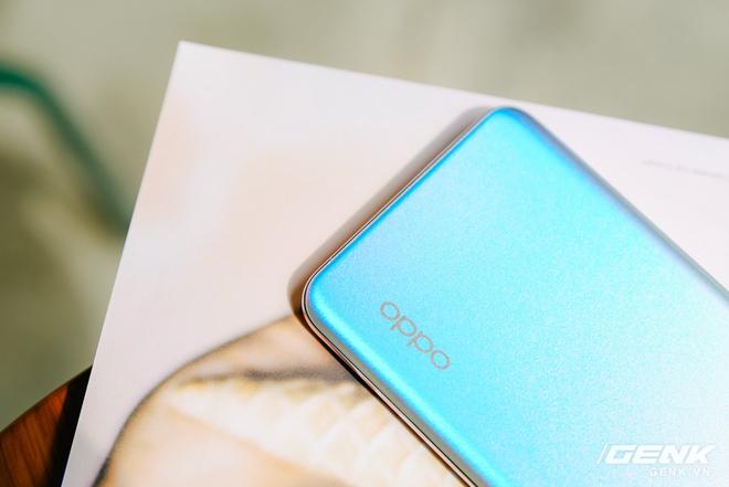 Trên tay OPPO Reno5 vừa ra mắt: Mỏng nhẹ, mặt lưng đa sắc, camera nâng cấp mạnh, sạc siêu nhanh 50W, chạy Android 11 - Ảnh 9.