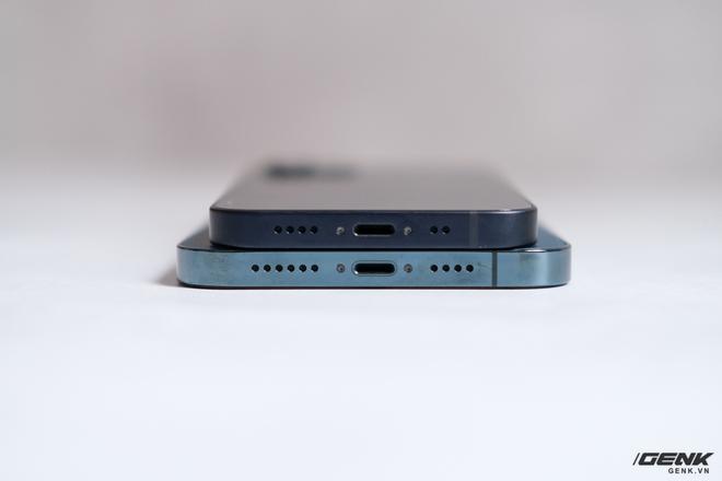 Trên tay chiếc iPhone bị người Việt ghẻ lạnh năm nay: Nhỏ tẹo bằng bàn tay, dùng một tay thì sướng, hai tay thì... sượng - Ảnh 11.