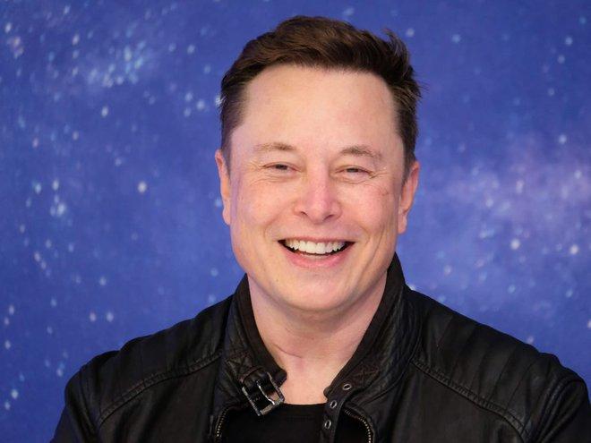 Elon Musk: Tôi sẽ vào vũ trụ sau 2-3 năm nữa và muốn được chôn trên sao Hỏa sau khi chết - Ảnh 2.