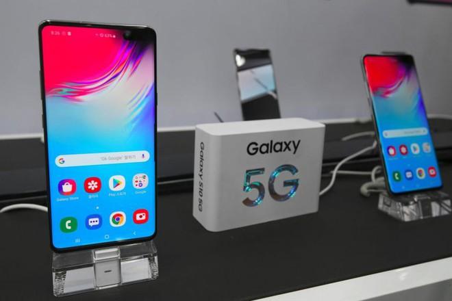 Viettel công bố sẽ bán smartphone dưới 1,5 triệu đồng, feature phone giá dưới 400 nghìn để phổ cập 4G, kéo thêm 10 triệu người dùng - Ảnh 1.