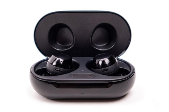Tai nghe không dây mới của Samsung lộ diện: Giá 149 USD, nghe nhạc liên tục 22 tiếng nhưng vẫn chưa có chống ồn chủ động - Ảnh 1.