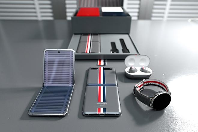 Galaxy Z Flip bản đặc biệt Thom Browne sẽ có giá 2480 USD, gần gấp đôi so với bản thường - Ảnh 3.
