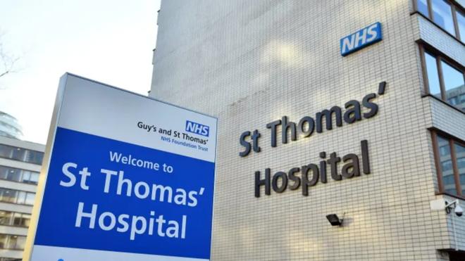 Bó tay: Bệnh nhân nhiễm virus Corona đầu tiên ở London đã bắt Uber đến bệnh viện - Ảnh 2.