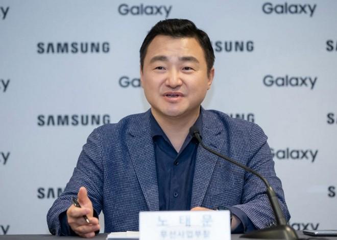 """Sếp Samsung khẳng định có thể ra mắt smartphone gập ba nhưng còn phải chờ đợi thị trường """"bật đèn xanh"""" - Ảnh 1."""