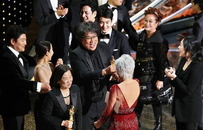 Parasite đã làm nên lịch sử tại Oscars 2020 một cách xứng đáng và đầy thuyết phục. Nhưng những kỷ lục của bộ phim này vẫn chưa dừng lại ở đó.