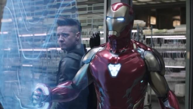 Trong 1 vũ trụ song song nào đó, nếu không thể trở thành Iron Man, Robert Downey Jr. muốn thử sức với vai diễn Hawkeye.