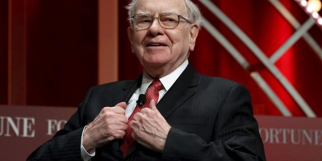 Tỷ phú Warren Buffett vừa bán 800 triệu USD cổ phiếu Apple - Ảnh 1.