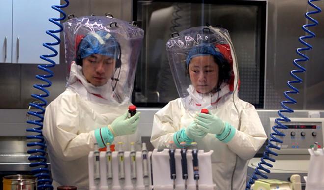 Bên trong phòng thí nghiệm an toàn sinh học BSL-4: Nơi virus không thể nào thoát ra ngoài - Ảnh 9.