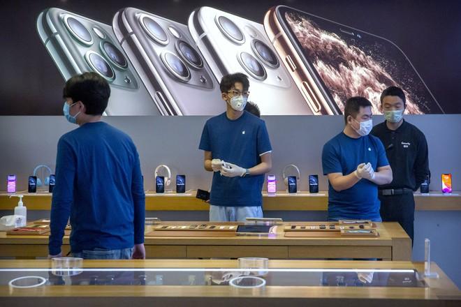 Virus Corona có thể khiến Apple mất trắng 4 tỷ USD trong quý I/2020 vì thiếu hụt sản phẩm - Ảnh 1.