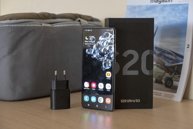 Mất bao lâu để sạc đầy viên pin 5000mAh của Galaxy S20 Ultra với củ sạc nhanh 25W? - Ảnh 1.