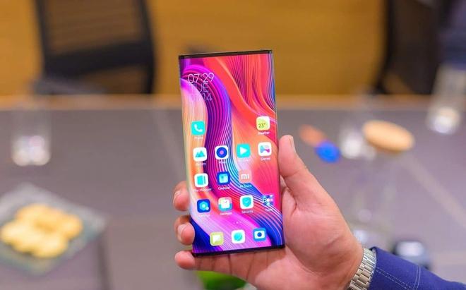 Cuối cùng thì siêu phẩm Xiaomi Mi MIX Alpha cũng sẽ chính thức lên kệ, giá bán có thể từ 2.400 USD - Ảnh 1.