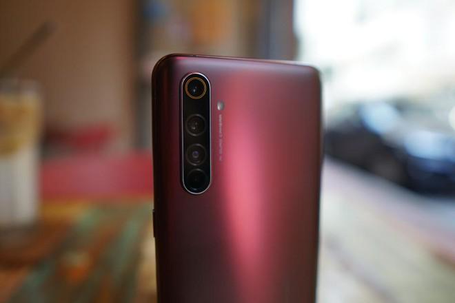 Realme X50 Pro ra mắt: Có chip Snapdragon 865, có RAM 12GB, có 5G, có sạc nhanh 65W, mà giá chỉ 600 USD - Ảnh 3.
