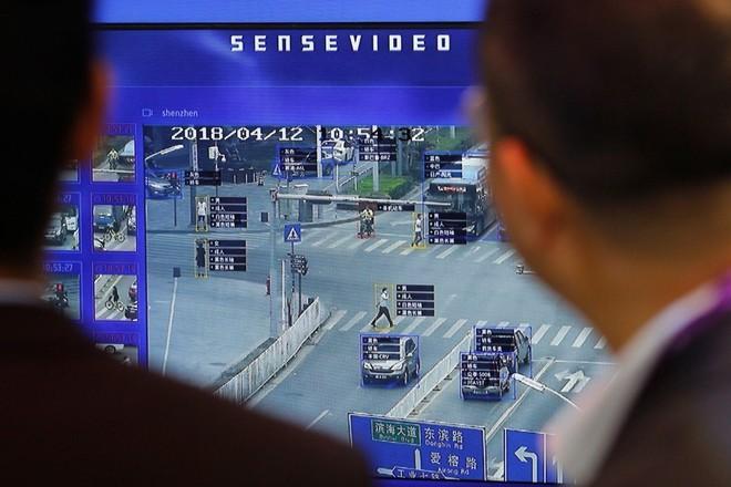 Giữa cơn bão dịch Covid-19, Trung Quốc nâng cấp công nghệ để nhận diện gương mặt của cả những người đang đeo khẩu trang - Ảnh 3.