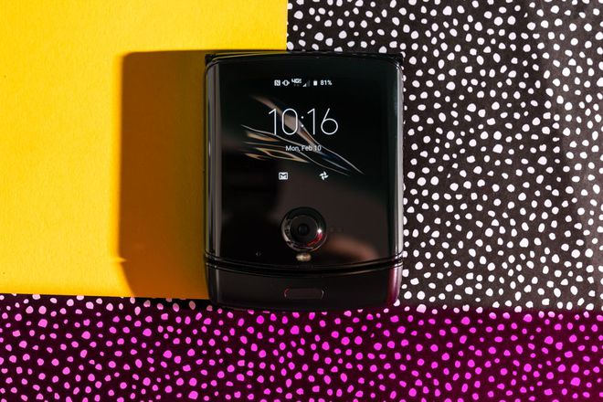 Đánh giá chi tiết Motorola Razr: màn hình gây tiếng ồn khó chịu khi gập, pin kém, thà mua Razr ngày xưa còn hơn - Ảnh 2.