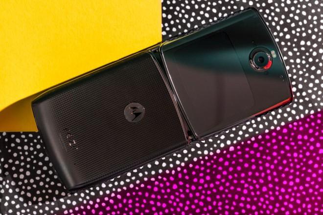 Đánh giá chi tiết Motorola Razr: màn hình gây tiếng ồn khó chịu khi gập, pin kém, thà mua Razr ngày xưa còn hơn - Ảnh 3.