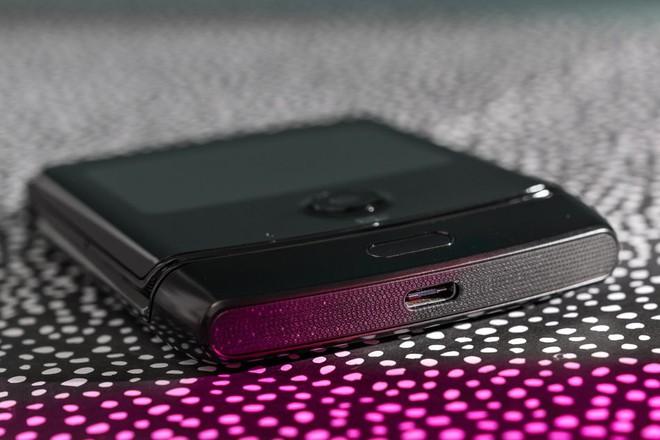 Đánh giá chi tiết Motorola Razr: màn hình gây tiếng ồn khó chịu khi gập, pin kém, thà mua Razr ngày xưa còn hơn - Ảnh 5.