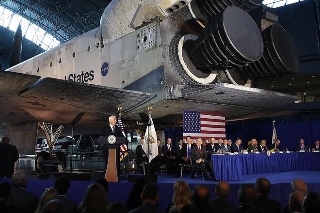 Elon Musk dè chừng: Chuyên gia cảnh báo vệ tinh giá rẻ bay ngập quỹ đạo Trái Đất sẽ là mục tiêu béo bở của hacker - Ảnh 5.