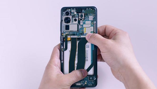 Mổ bụng Galaxy S20 Ultra: Có gì bên trong flagship mới nhất của Samsung? - Ảnh 13.