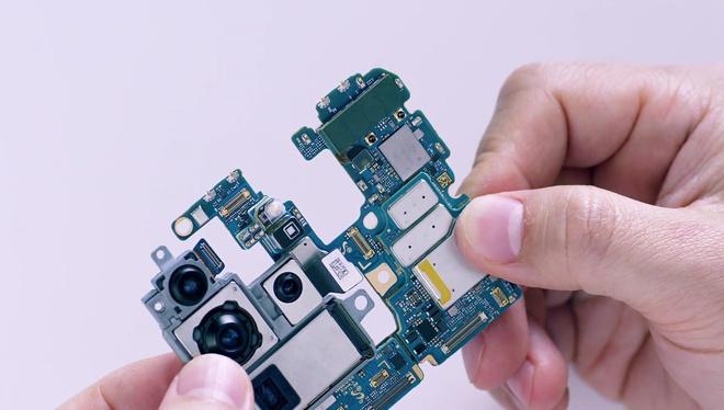 Mổ bụng Galaxy S20 Ultra: Có gì bên trong flagship mới nhất của Samsung? - Ảnh 10.