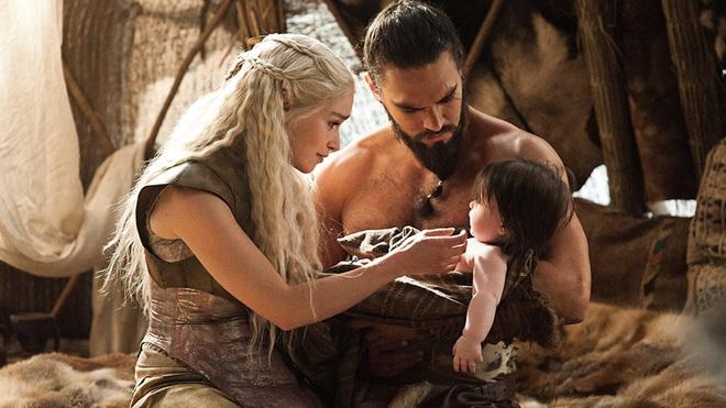 Fan kiến nghị Mẹ Rồng thay Amber Heard trong Aquaman, tạo cơ hội cho Khaleesi đoàn tụ với Khal Drogo - Ảnh 2.