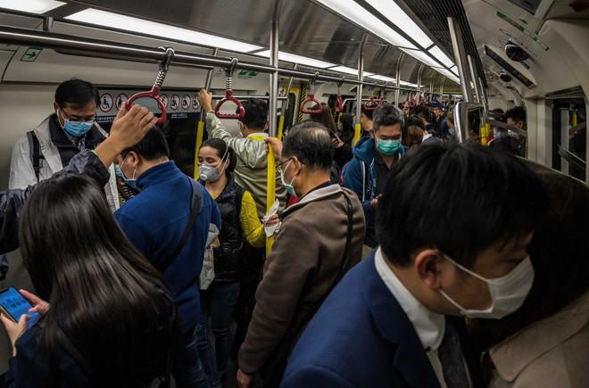 Dân Trung Quốc đua nhau dùng các ứng dụng bản đồ và kiểm tra hành trình lây lan của virus corona - Ảnh 1.