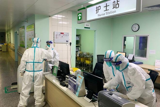 Phòng virus corona bằng khẩu trang, nước rửa tay là chưa đủ, lá chắn vững vàng nhất chính là kiểm tra để bổ sung kiến thức thường xuyên - Ảnh 1.