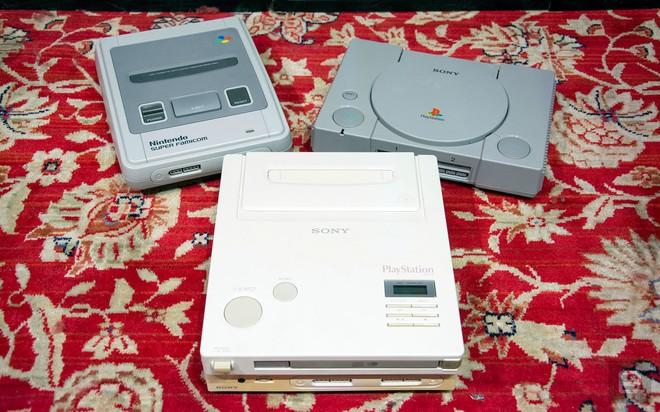Máy chơi game con lai của Sony và Nintendo vừa được bán với giá 8,3 tỷ đồng - Ảnh 1.
