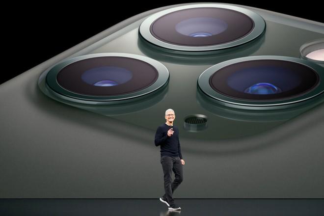 Vốn hóa Apple bốc hơi 100 tỷ USD, CEO Tim Cook đối mặt với khó khăn lớn nhất trong lịch sử - Ảnh 1.