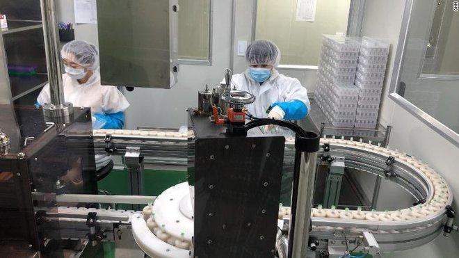 Hàn Quốc chỉ mất 3 tuần để sản xuất bộ kit xét nghiệm Covid-19, và đây là thứ vũ khí bí mật của họ - Ảnh 3.