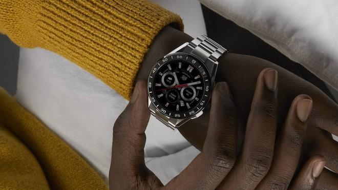 Hãng đồng hồ Thụy Sĩ TAG Heuer ra mắt smartwatch siêu sang giá 1.800 USD - Ảnh 4.