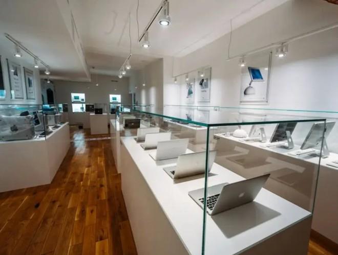 Bảo tàng Apple tại Cộng hòa Séc sắp tái hiện lại garage của Steve Jobs với công nghệ AR - Ảnh 1.