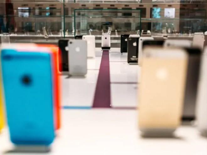 Bảo tàng Apple tại Cộng hòa Séc sắp tái hiện lại garage của Steve Jobs với công nghệ AR - Ảnh 9.