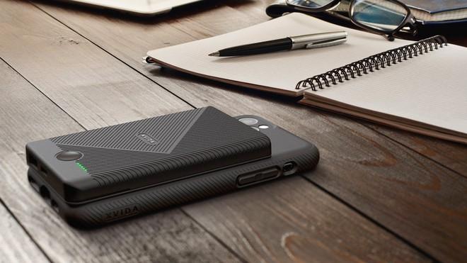 Pin dự phòng của Xvida cho phép bạn sạc không dây iPhone ở bất kỳ đâu - Ảnh 1.