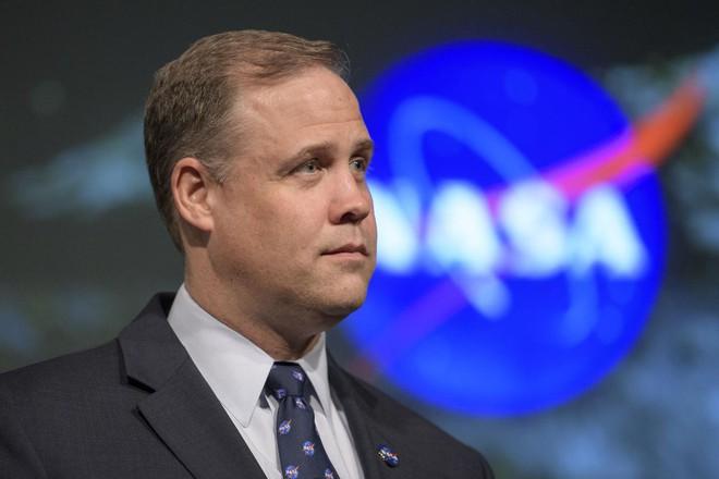 Phát hiện thấy nhân viên dương tính với Covid-19, NASA phải cho gần 17.000 nhân viên nghỉ để tránh dịch - Ảnh 1.