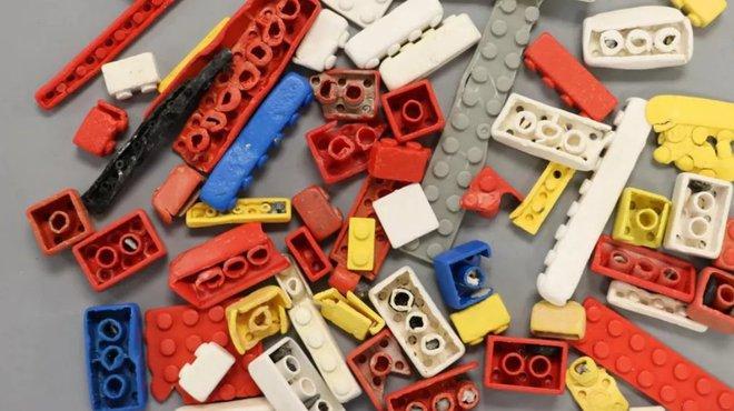 Các mẩu xếp hình LEGO có thể tồn tại đến 1.300 năm trong đại dương - Ảnh 1.