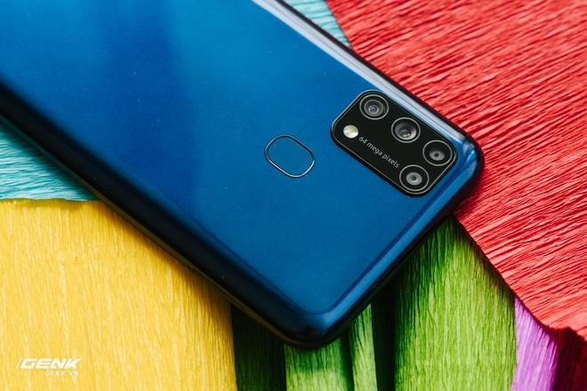 Đánh giá Samsung Galaxy M31: Đập tiền vào pin! - Ảnh 3.