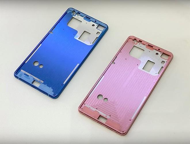 BPhone 4 sẽ có 2 phiên bản màu sắc mới là xanh và hồng.