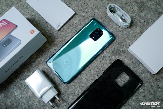 Cận cảnh Redmi Note 9S Xanh Cực Quang: Màu đẹp, hoàn thiện tốt, Snapdragon 720G chạy mượt, cụm 4 camera thiết kế hơi dị - Ảnh 13.