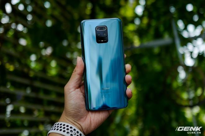 Cận cảnh Redmi Note 9S Xanh Cực Quang: Màu đẹp, hoàn thiện tốt, Snapdragon 720G chạy mượt, cụm 4 camera thiết kế hơi dị - Ảnh 2.