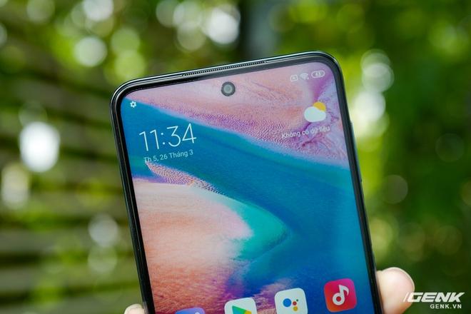 Cận cảnh Redmi Note 9S Xanh Cực Quang: Màu đẹp, hoàn thiện tốt, Snapdragon 720G chạy mượt, cụm 4 camera thiết kế hơi dị - Ảnh 9.