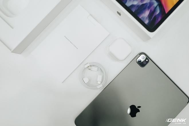 iPad Pro 2020 về VN: Giá từ 26.9 triệu, chênh 8 triệu so với giá gốc - Ảnh 1.