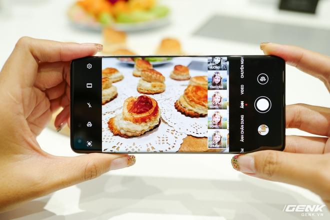 Trên tay nhanh Huawei P40 Pro: Màn hình uốn cong 4 cạnh đẹp mắt, độ hoàn thiện rất cao, giao diện chụp ảnh mượt mà nhưng còn nhiều rối rắm - Ảnh 7.
