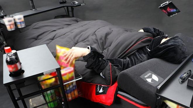 Công ty Nhật Bản ra mắt mẫu giường gaming độc đáo giúp người dùng vừa nằm vừa cày game thoải mái, giá từ 7 triệu đồng - Ảnh 6.