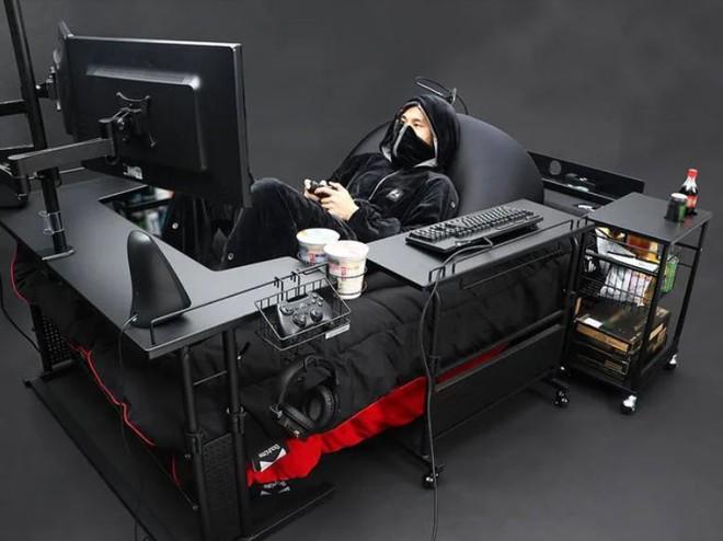 Công ty Nhật Bản ra mắt mẫu giường gaming độc đáo giúp người dùng vừa nằm vừa cày game thoải mái, giá từ 7 triệu đồng - Ảnh 1.