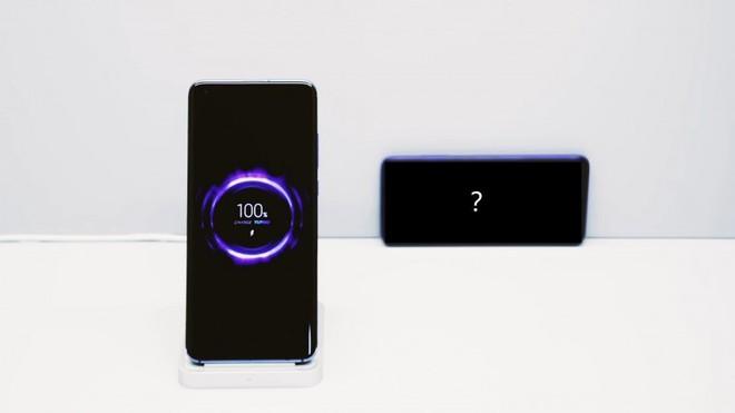 Xiaomi trình diễn công nghệ sạc không dây 40W cực kỳ ấn tượng - Ảnh 1.